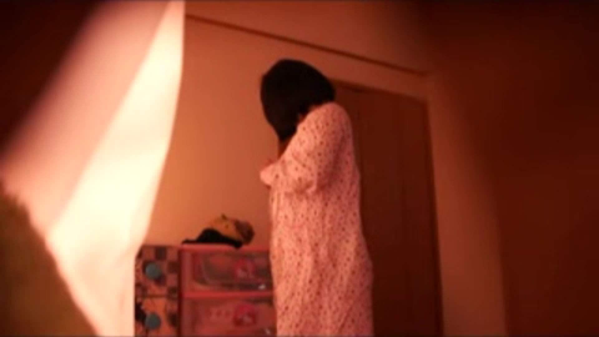 エッチ 熟女 vol.2 まりこさんのお着替え、就寝前の映像です。 怪盗ジョーカー