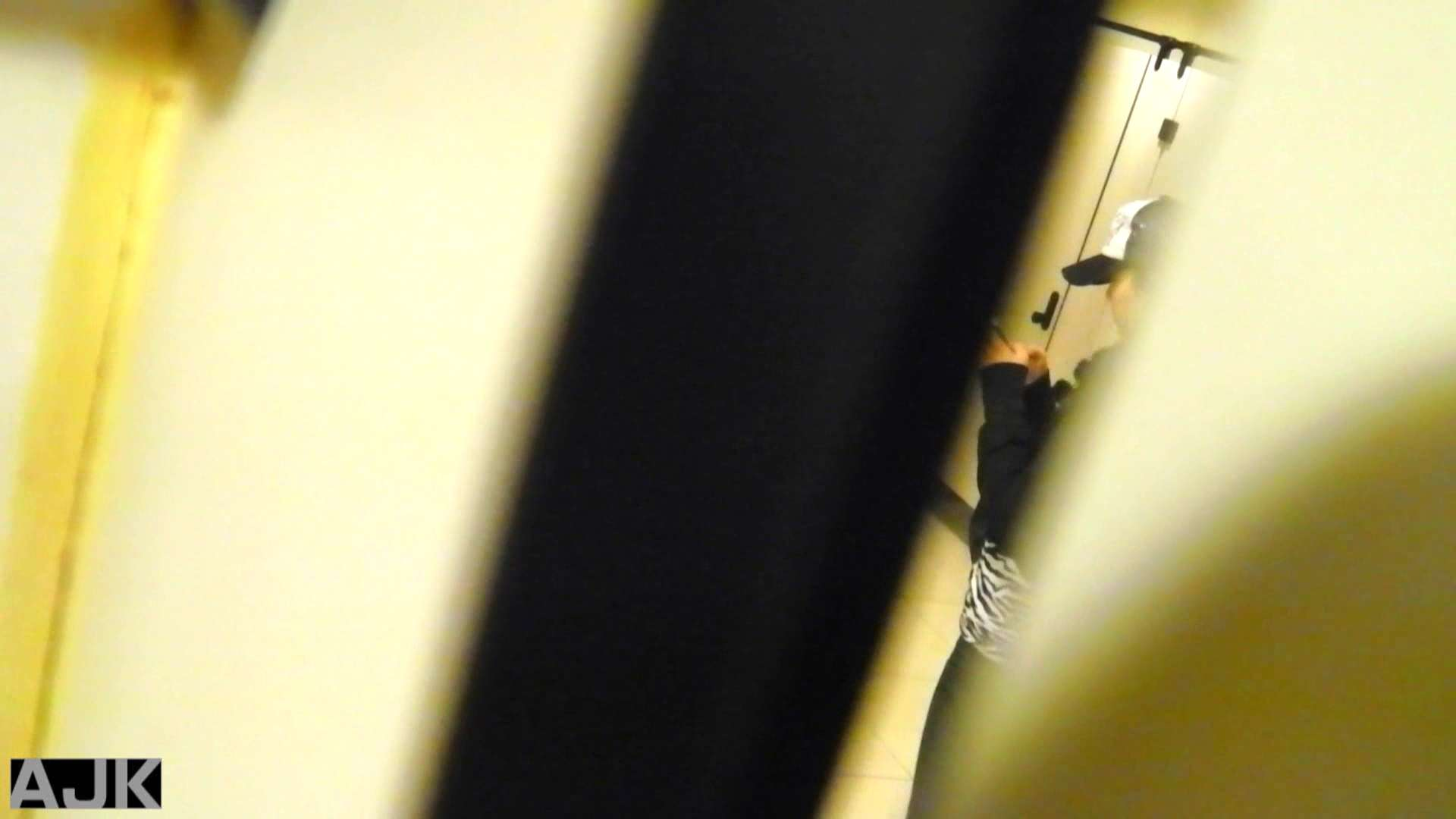 神降臨!史上最強の潜入かわや! vol.02 美女丸裸 オマンコ動画キャプチャ 103pic 75