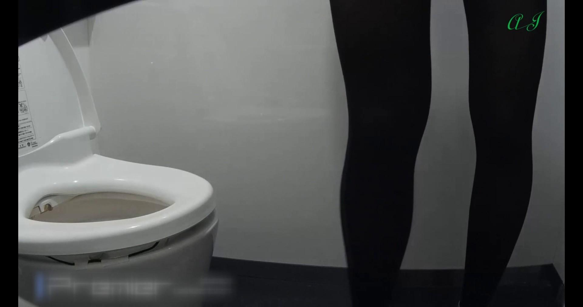 【某有名大学女性洗面所】有名大学女性洗面所 vol.74 後編 潜入突撃  81pic 12