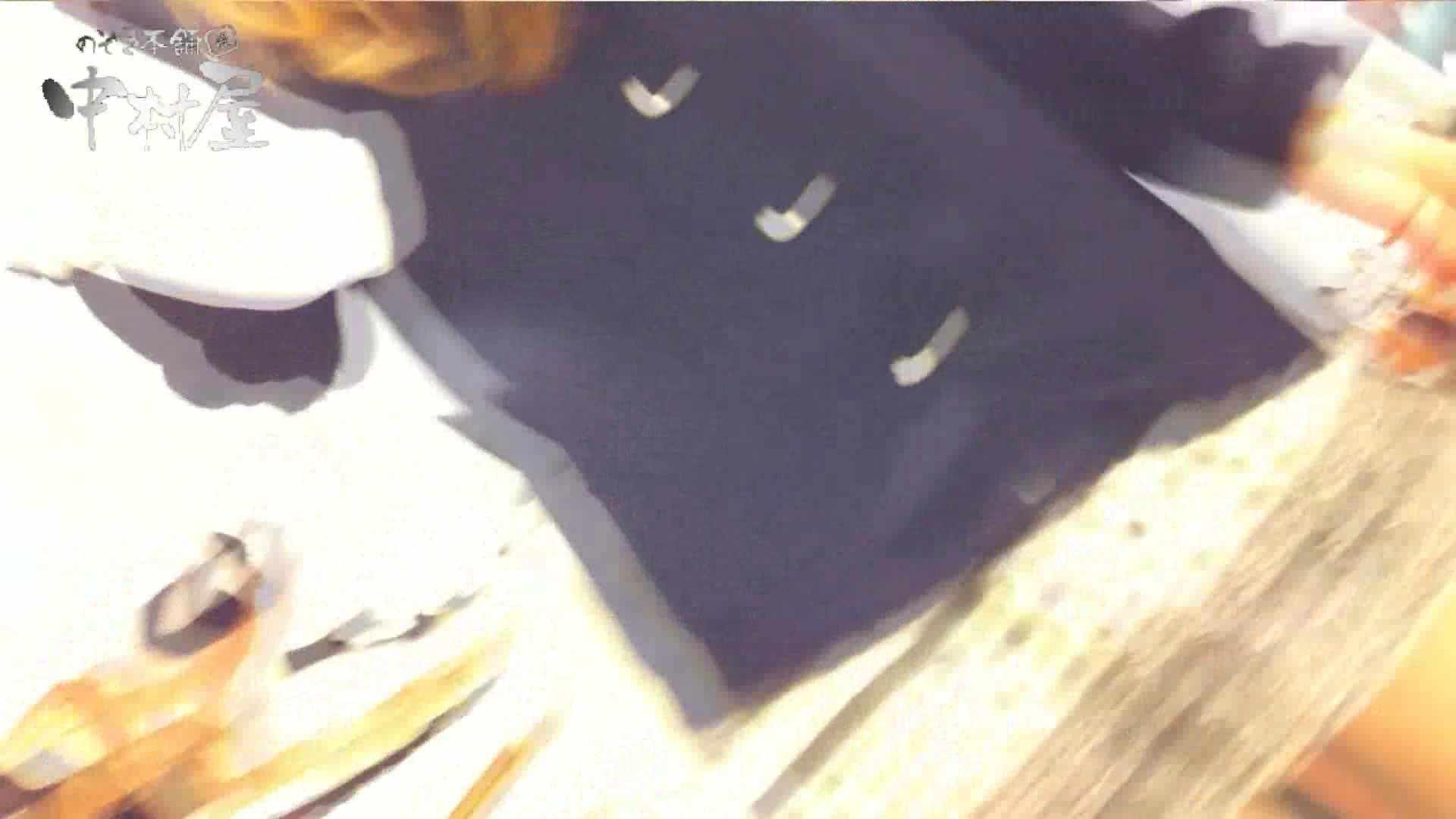 vol.66 美人アパレル胸チラ&パンチラ 店員さんのパンツはストライプ 胸チラ オマンコ無修正動画無料 100pic 69