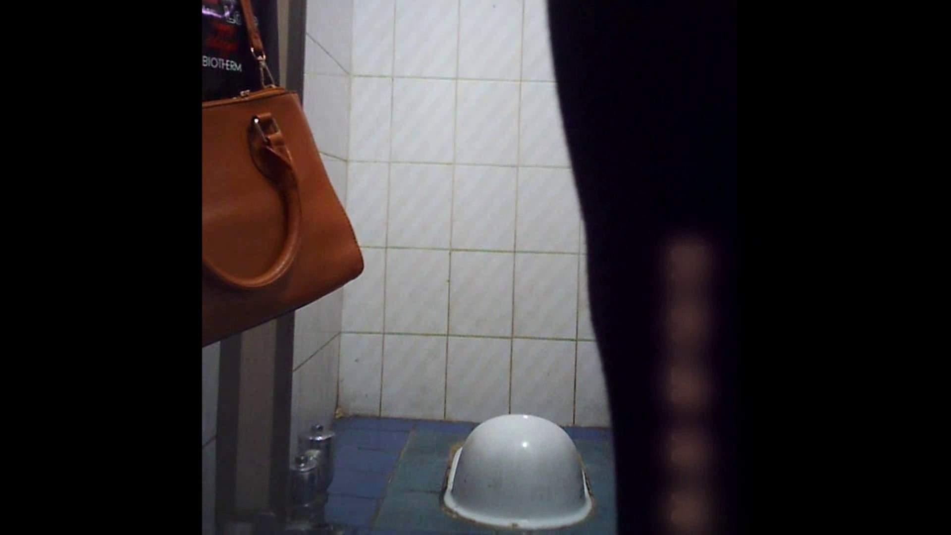 潜伏韓国トイレ北緯38度線!Vol.12 トイレ突入 | 美しいOLの裸体  84pic 16