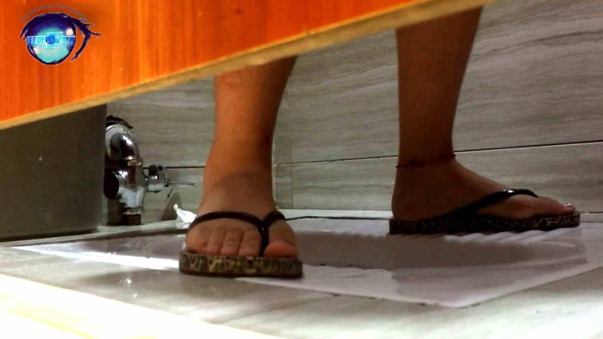 GOD HAND ファッションショッピングセンター盗撮vol.04 盗撮師作品   美しいOLの裸体  102pic 1