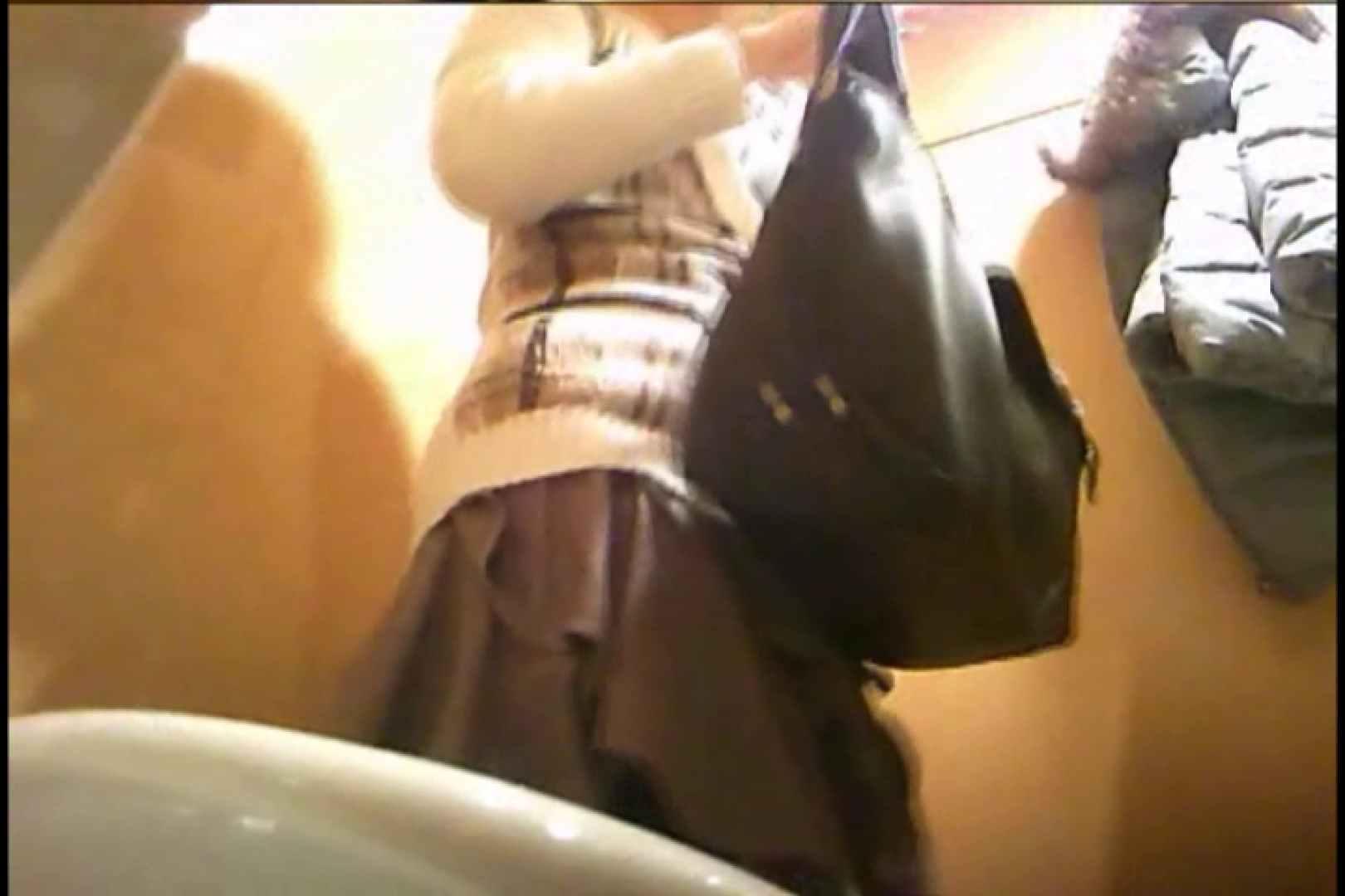 潜入!!女子化粧室盗撮~絶対見られたくない時間~vo,4 熟女丸裸  102pic 99