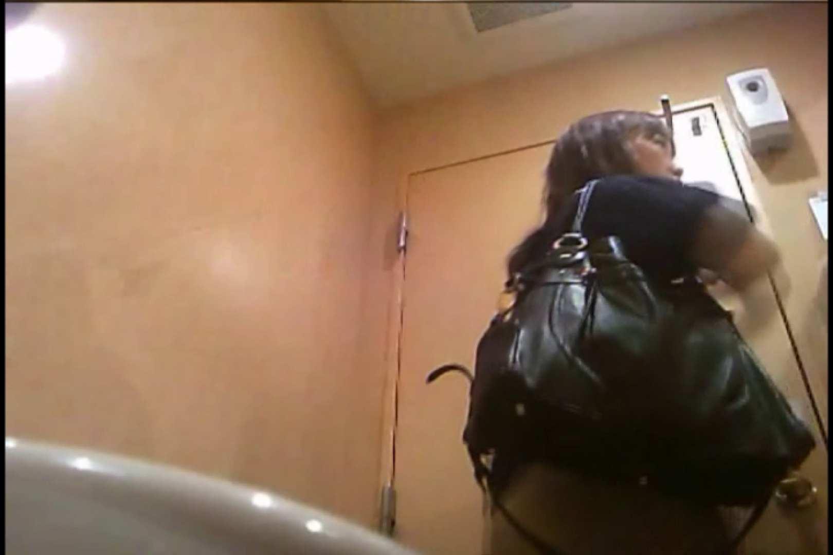 潜入!!女子化粧室盗撮~絶対見られたくない時間~vo,32 盗撮師作品 | お姉さん丸裸  107pic 70