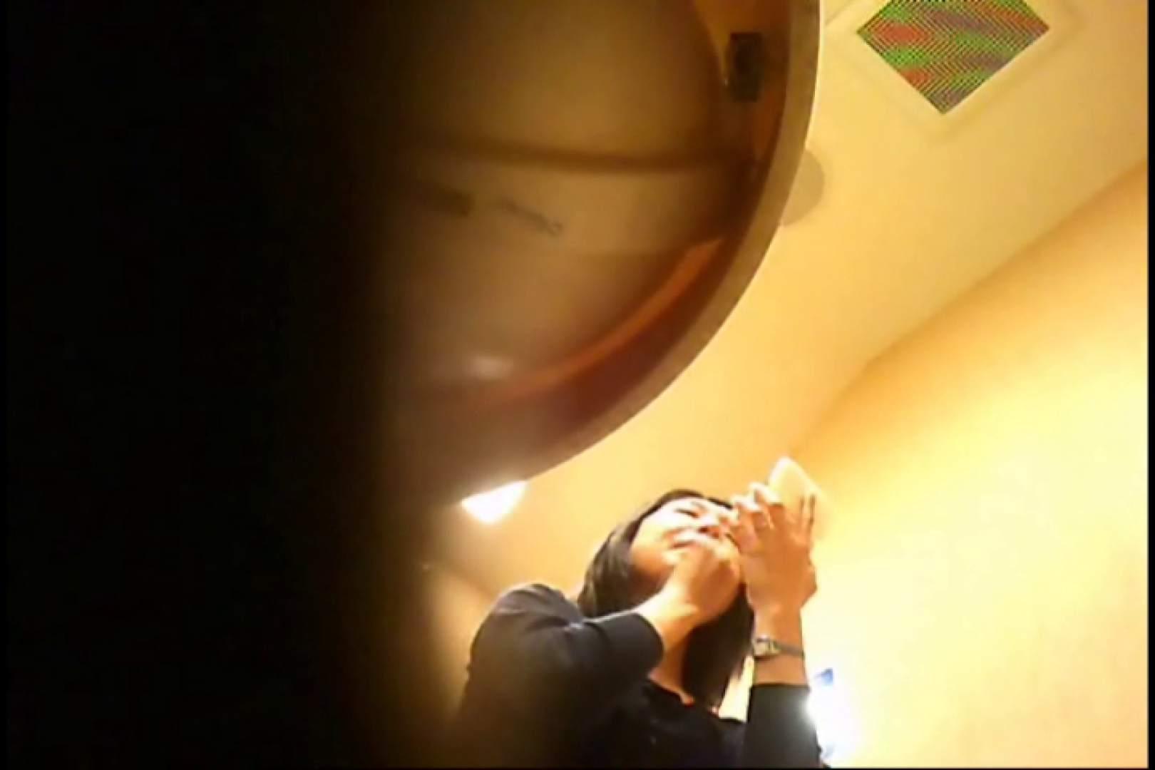 潜入!!女子化粧室盗撮~絶対見られたくない時間~vo,35 盗撮師作品 ワレメ無修正動画無料 81pic 14