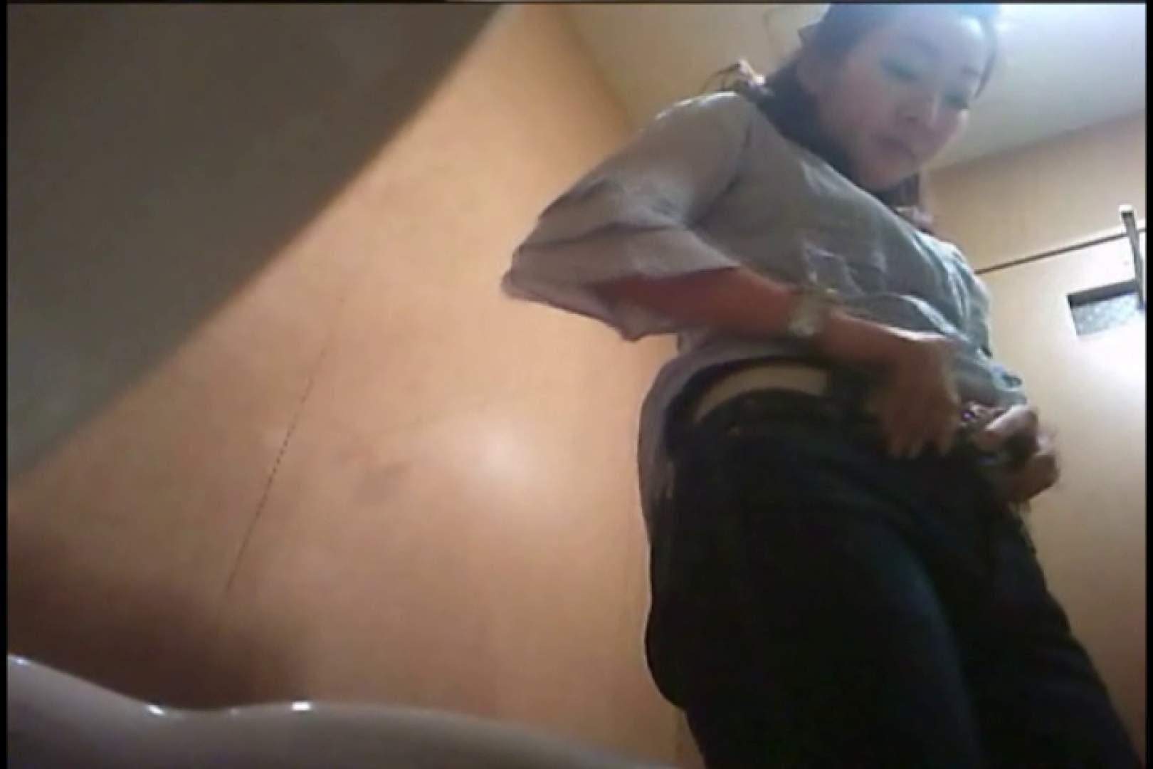 潜入!!女子化粧室盗撮~絶対見られたくない時間~vo,40 熟女丸裸 エロ無料画像 102pic 59
