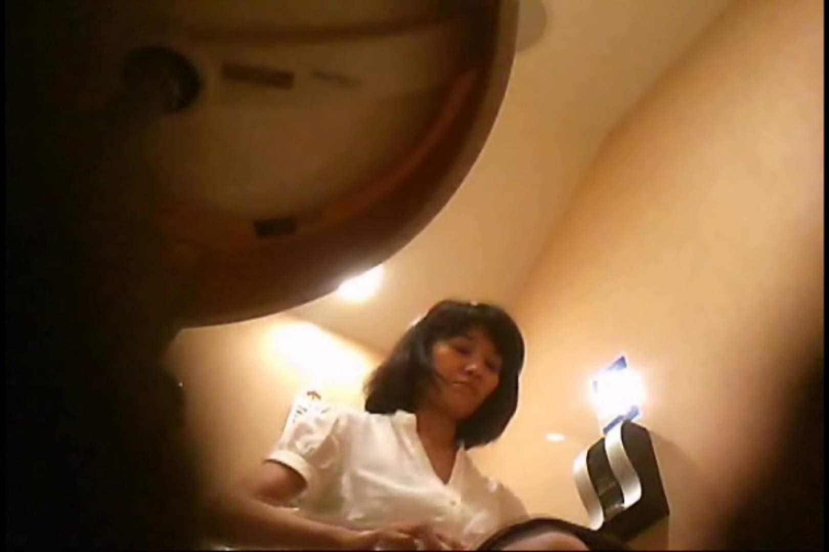 潜入!!女子化粧室盗撮~絶対見られたくない時間~vo,51 熟女丸裸 | 潜入突撃  90pic 1