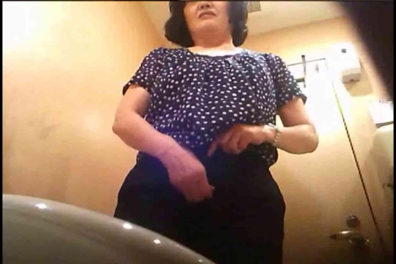 潜入!!女子化粧室盗撮~絶対見られたくない時間~vo,52 熟女丸裸  77pic 56