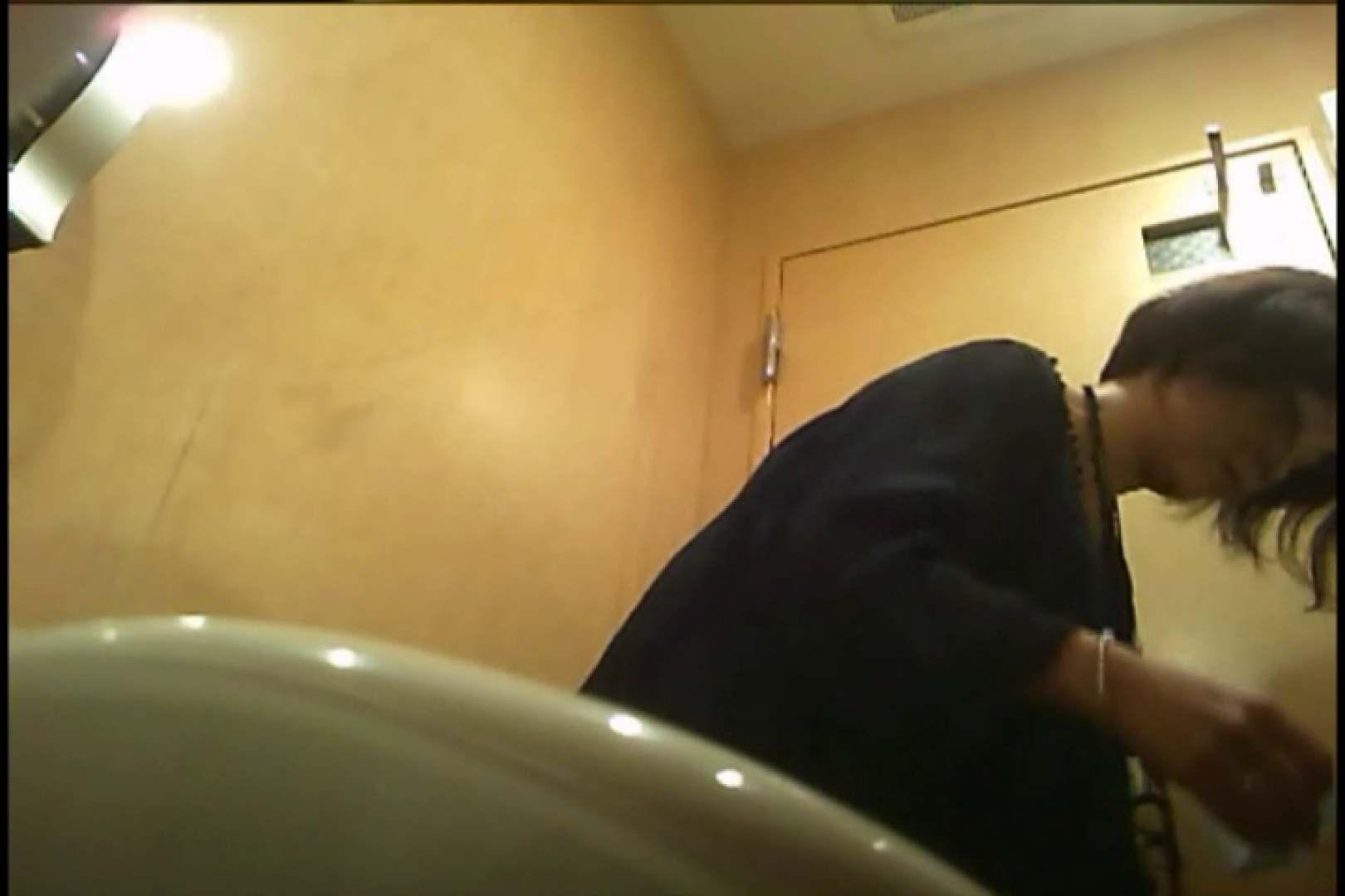 潜入!!女子化粧室盗撮~絶対見られたくない時間~vo,60 潜入突撃 エロ無料画像 90pic 34