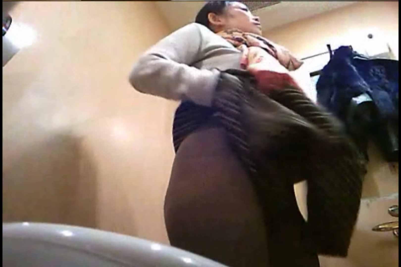 潜入!!女子化粧室盗撮~絶対見られたくない時間~vo,81 潜入突撃 エロ画像 82pic 53