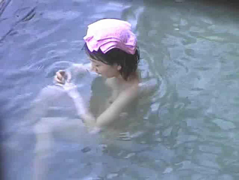 露天美女入浴① 美乳 のぞき動画画像 77pic 8
