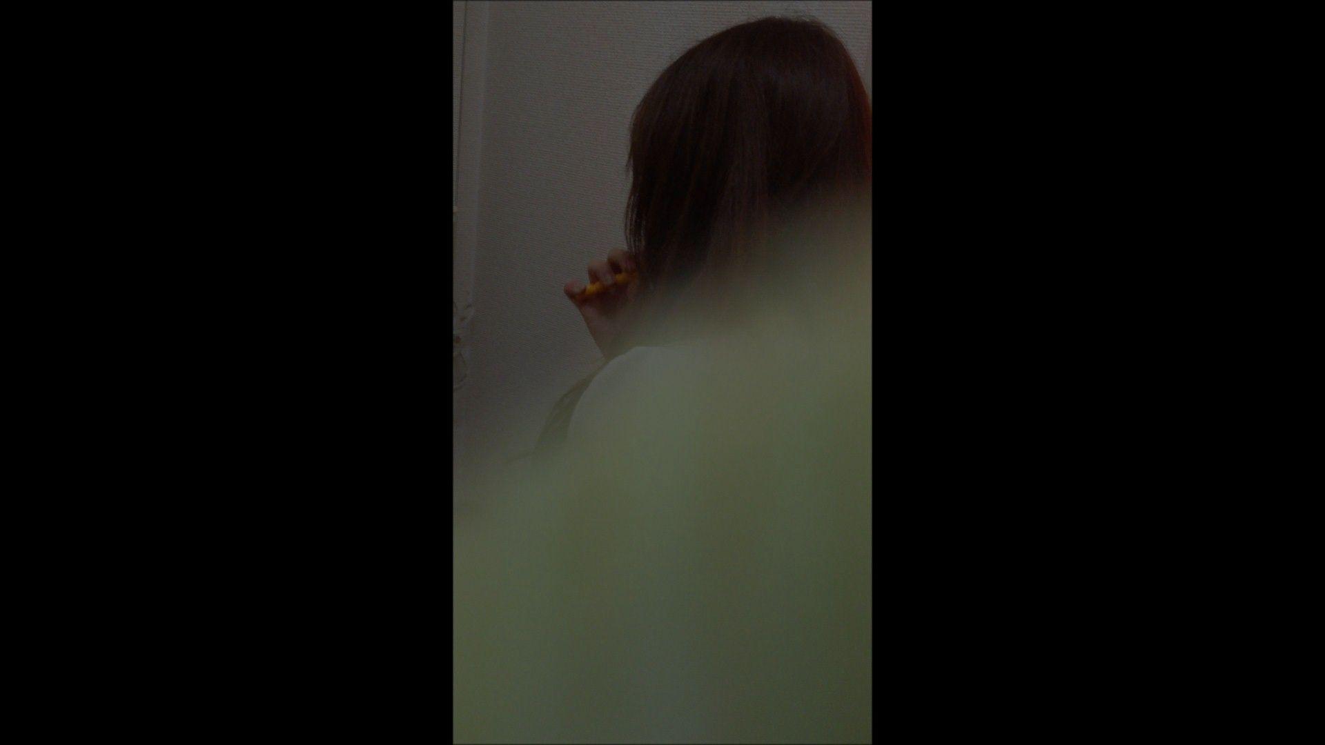 エッチ 熟女|08(8日目)メイク中の彼女の顔を撮りました!|大奥