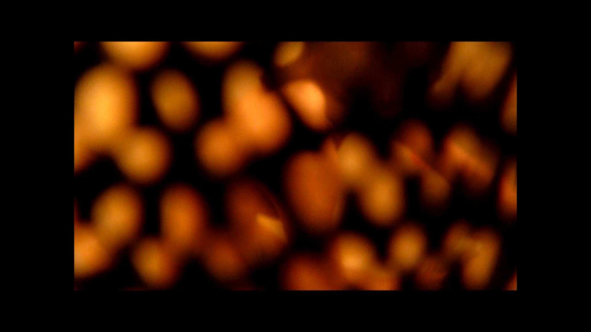 【02】ベランダに侵入して張り込みを始めて・・・やっと結果が出ました。 モロだしオマンコ   盗撮師作品  79pic 31