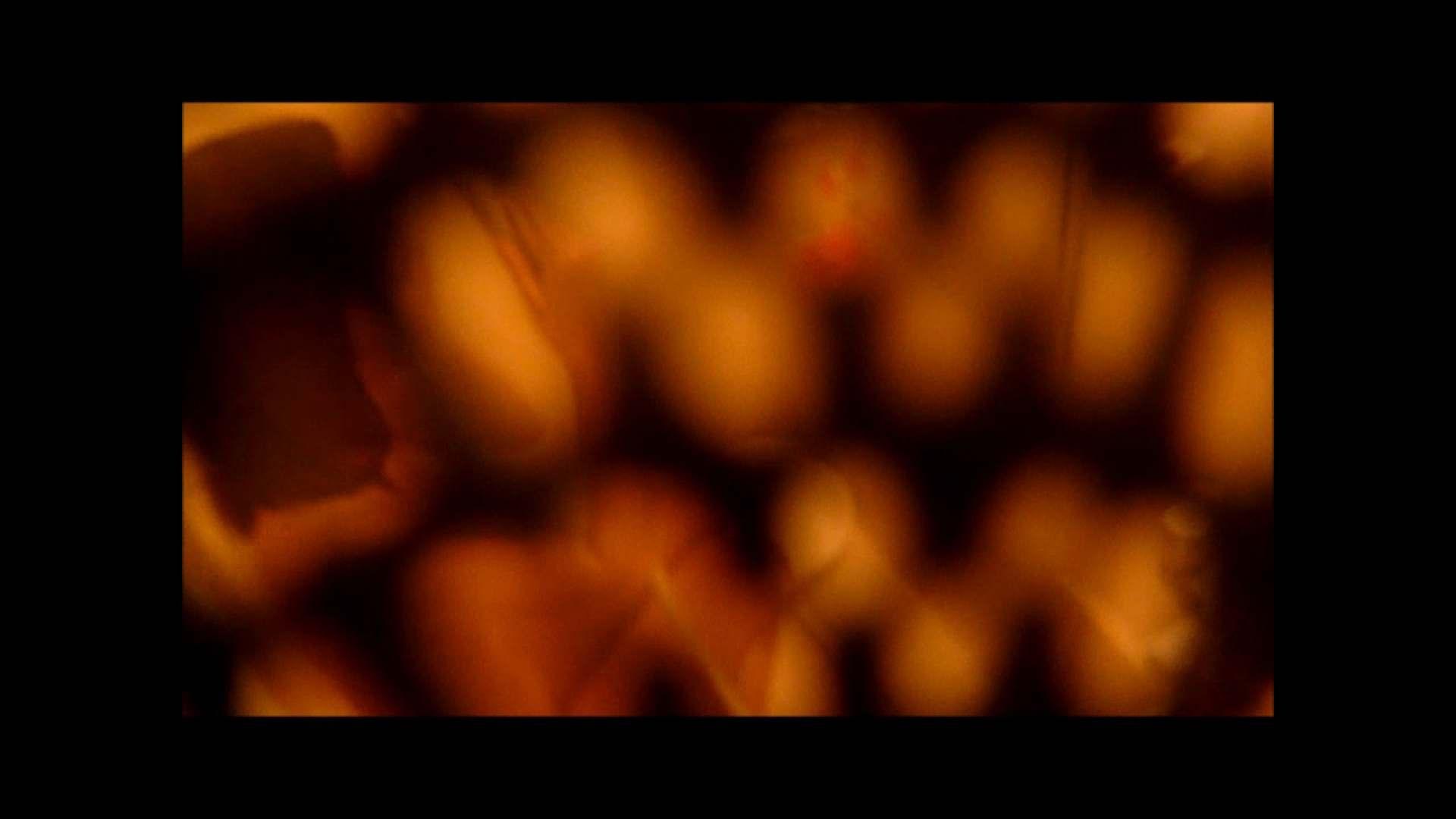 【02】ベランダに侵入して張り込みを始めて・・・やっと結果が出ました。 モロだしオマンコ  79pic 55
