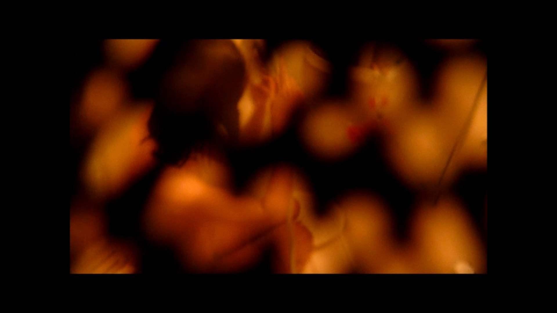 【02】ベランダに侵入して張り込みを始めて・・・やっと結果が出ました。 モロだしオマンコ  79pic 70