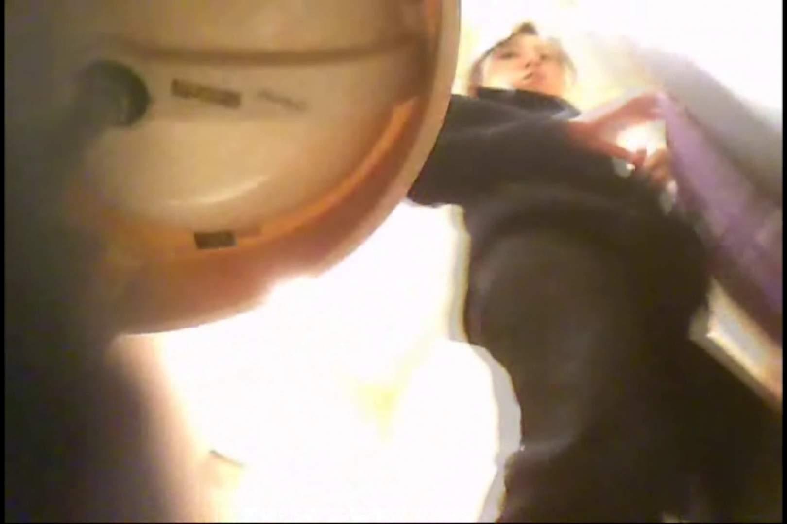 潜入!!女子化粧室盗撮~絶対見られたくない時間~vo,3 盗撮師作品 | 丸見え  75pic 46