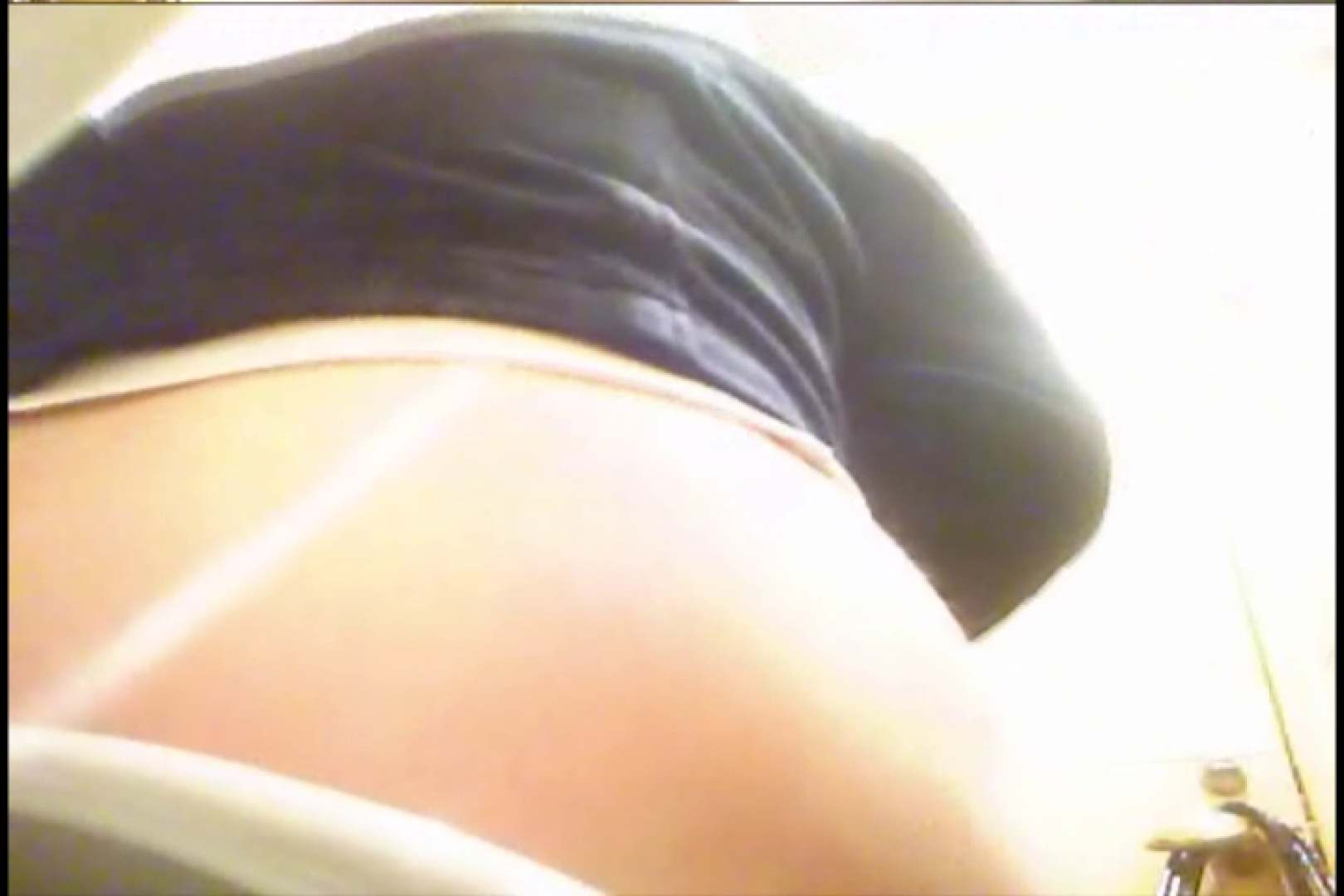 潜入!!女子化粧室盗撮~絶対見られたくない時間~vo,22 トイレ突入 盗み撮り動画キャプチャ 93pic 26