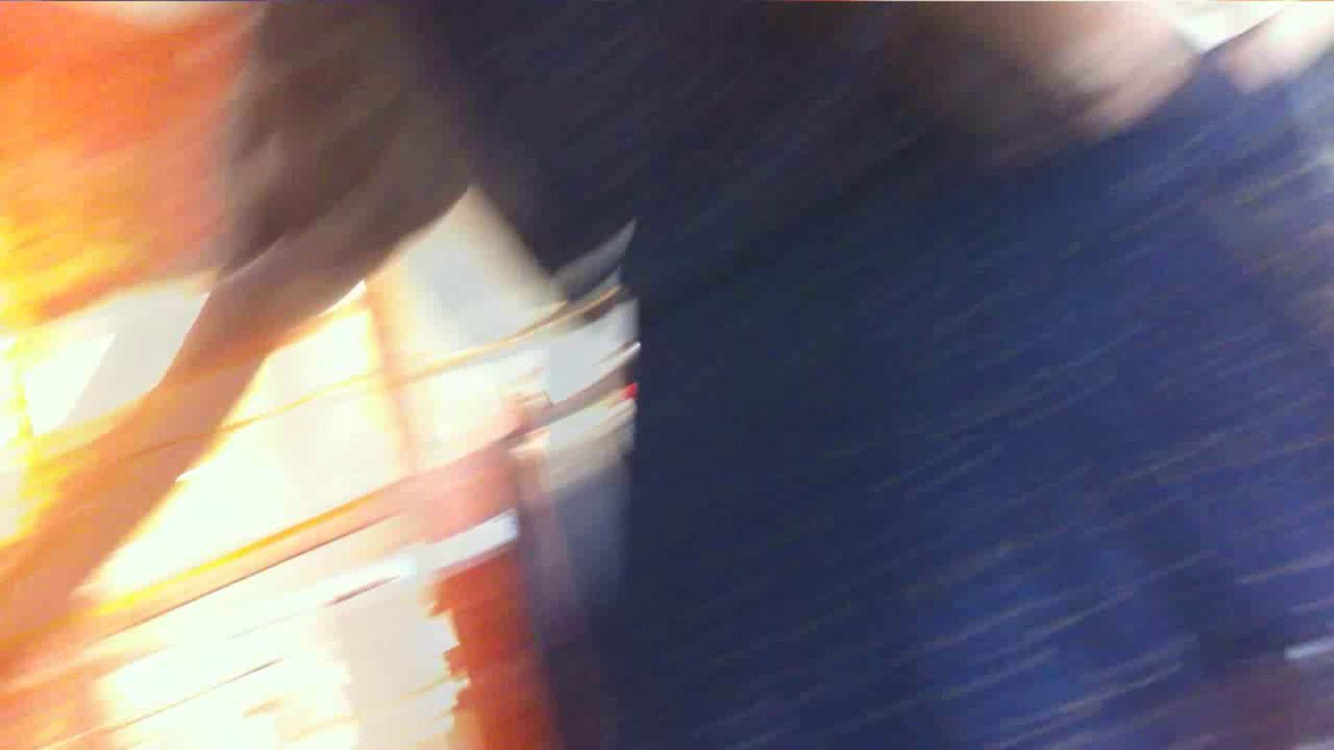 vol.34 美人アパレル胸チラ&パンチラ メガネ属性っていいよね♥ チラ歓迎 戯れ無修正画像 104pic 33