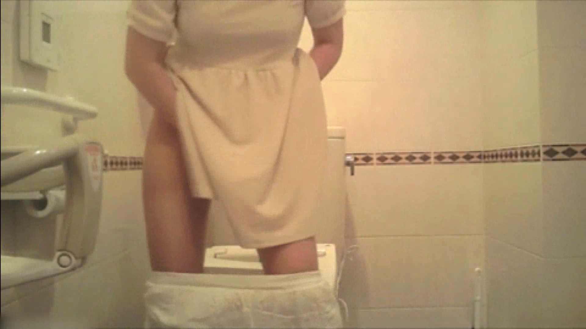 実録!!綺麗なお姉さんのトイレ事情・・・。vol.18 お姉さん丸裸 オマンコ動画キャプチャ 74pic 30