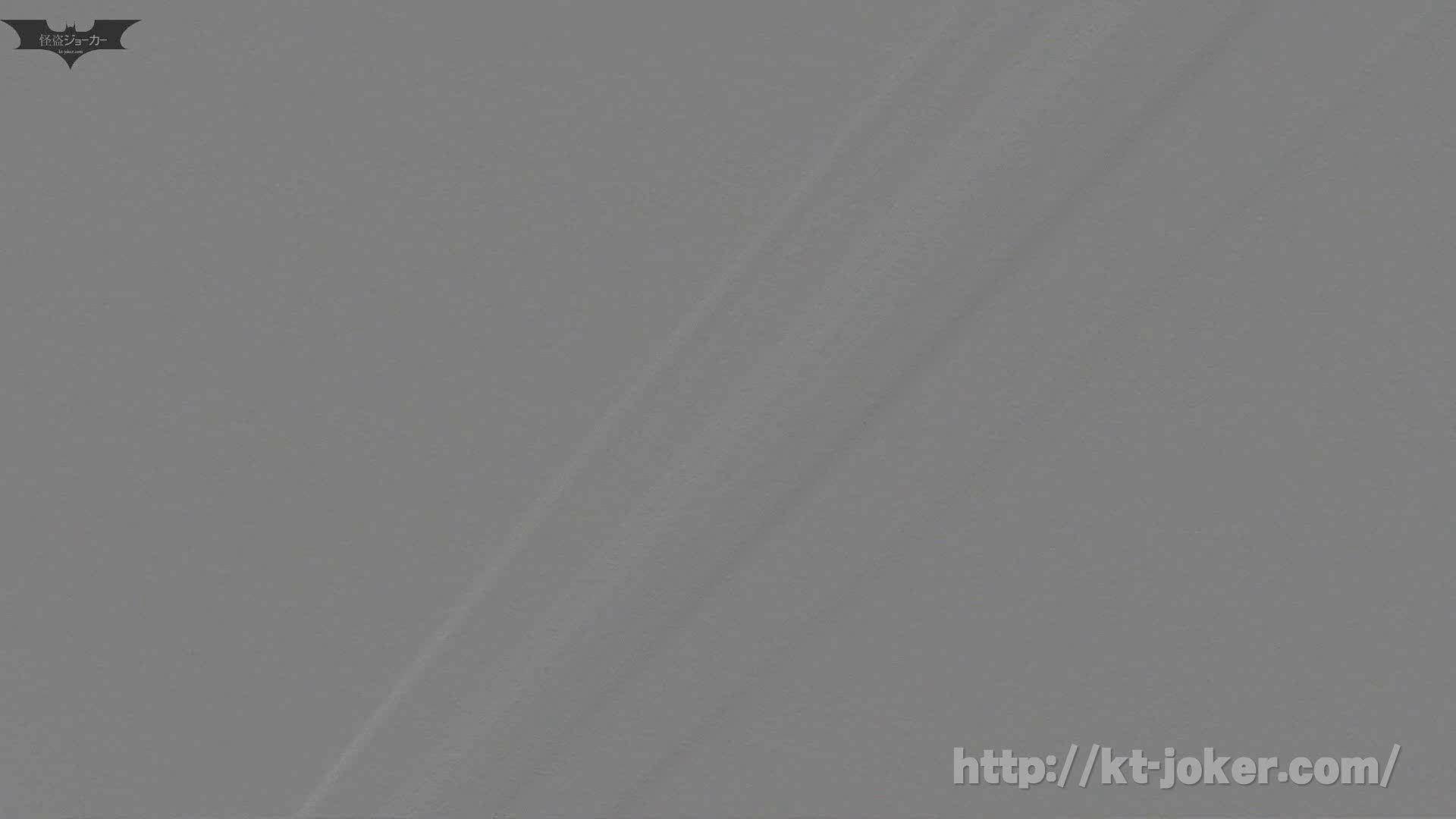 命がけ潜伏洗面所! vol.56 ピンチ!!「鏡の前で祈る女性」にばれる危機 洗面所突入   プライベート  105pic 103