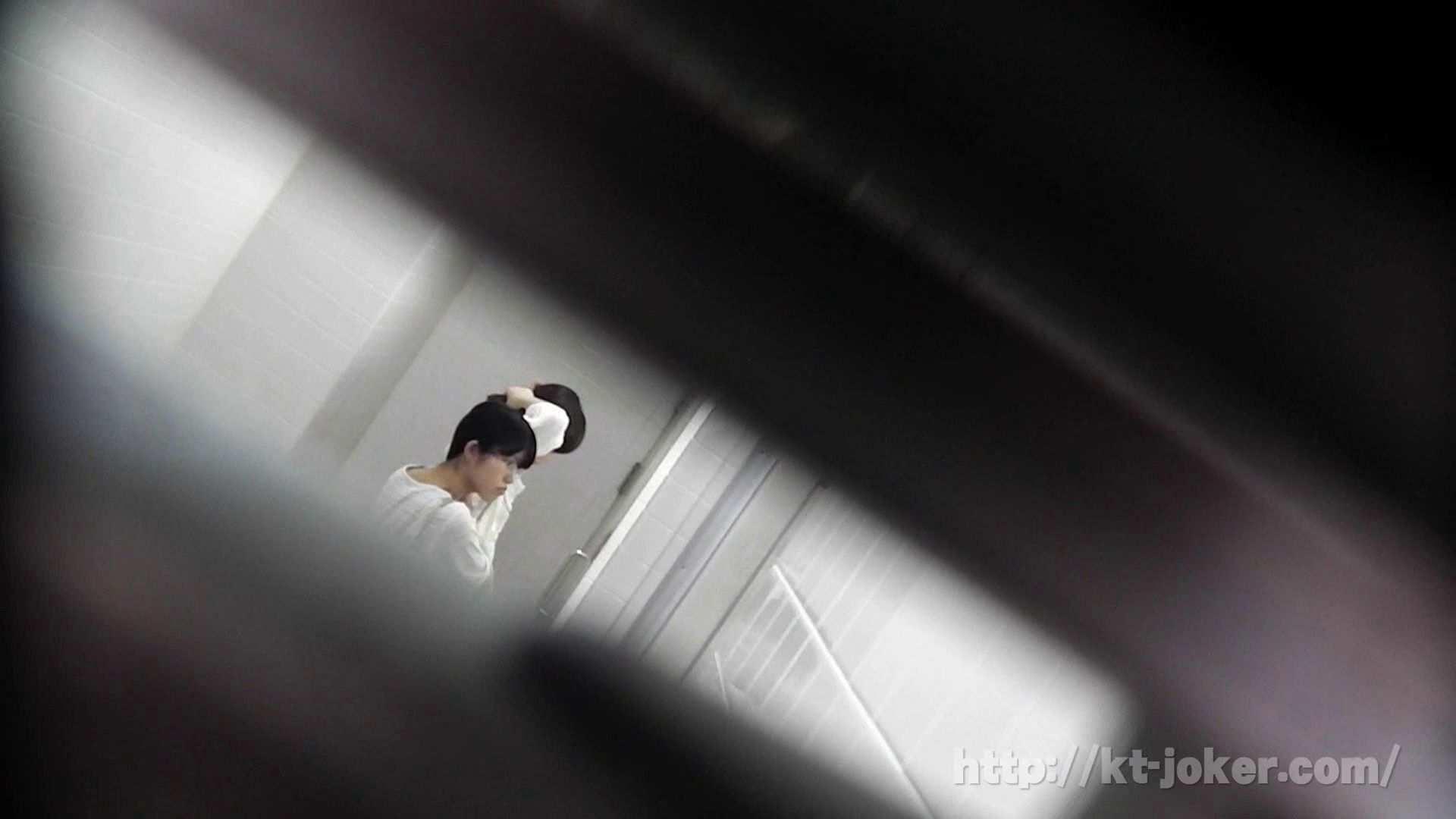 命がけ潜伏洗面所! vol.69 あのかわいい子がついフロント撮り実演 美しいOLの裸体 | プライベート  71pic 4