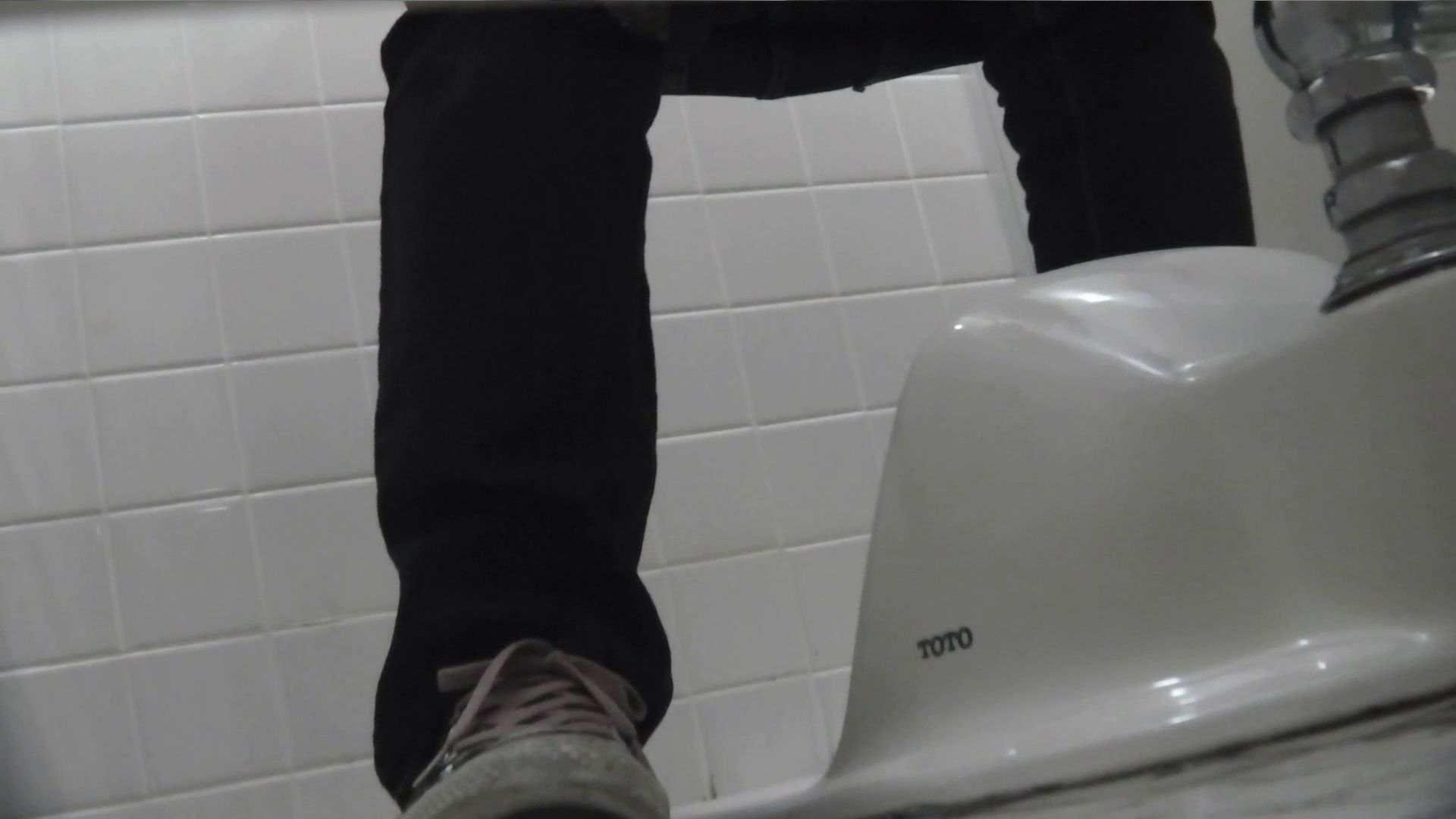 vol.08 命がけ潜伏洗面所! 黒ストッキングが流行りです。 美しいOLの裸体  95pic 80