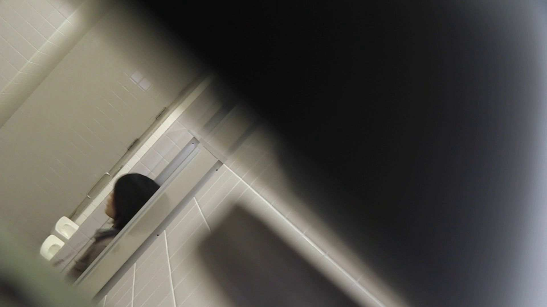 vol.11 命がけ潜伏洗面所! 多い日は大変です。 洗面所突入  101pic 68