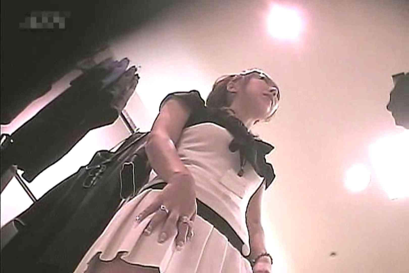 ショップ店員のパンチラアクシデント Vol.8 新入生パンチラ オメコ動画キャプチャ 103pic 53