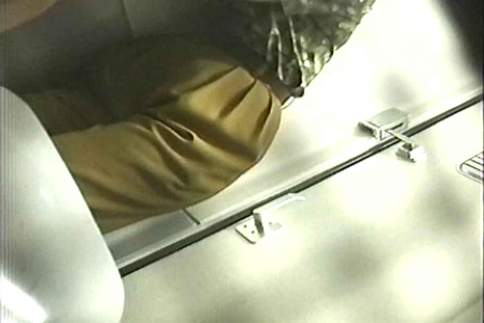 車内洗面所盗撮 電車ゆれればお尻もゆれる TK-98 洗面所突入 | 下半身  101pic 51