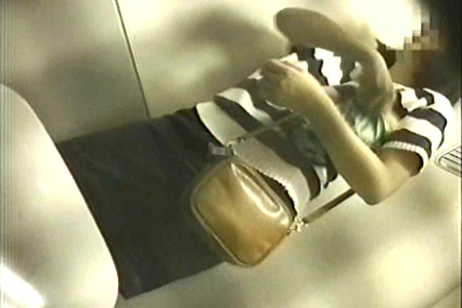 車内洗面所盗撮 電車ゆれればお尻もゆれる TK-98 盗撮師作品 オメコ動画キャプチャ 101pic 52