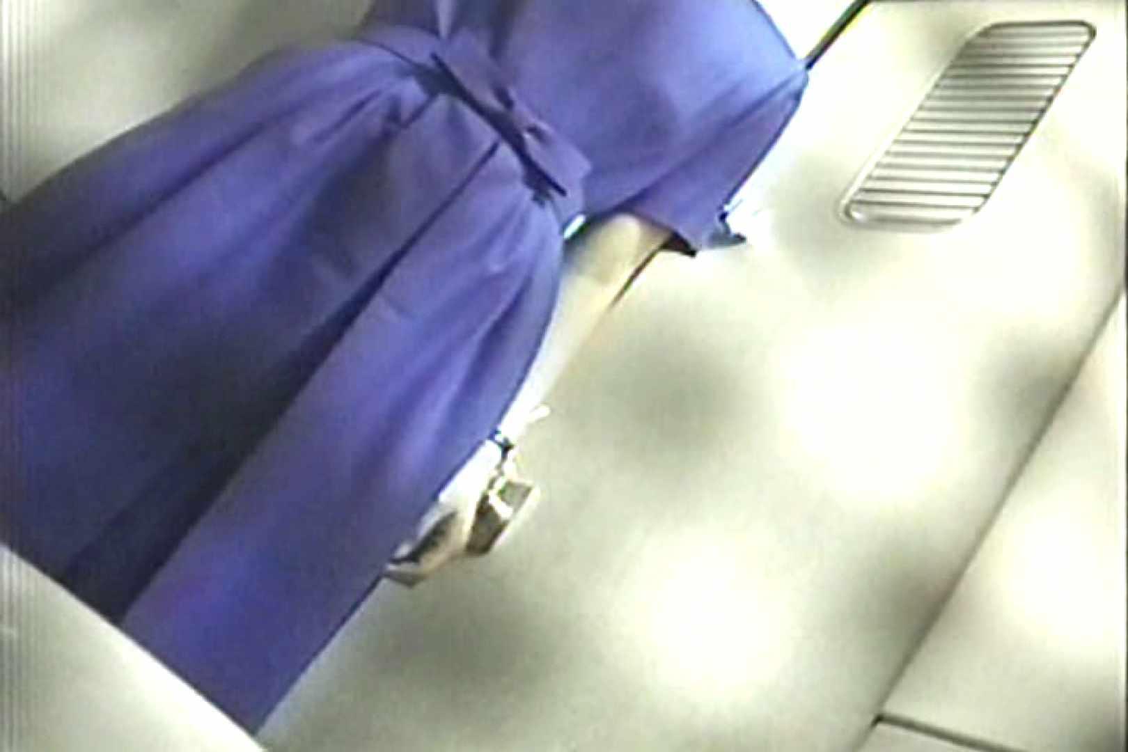 車内洗面所盗撮 電車ゆれればお尻もゆれる TK-98 盗撮師作品 オメコ動画キャプチャ 101pic 67