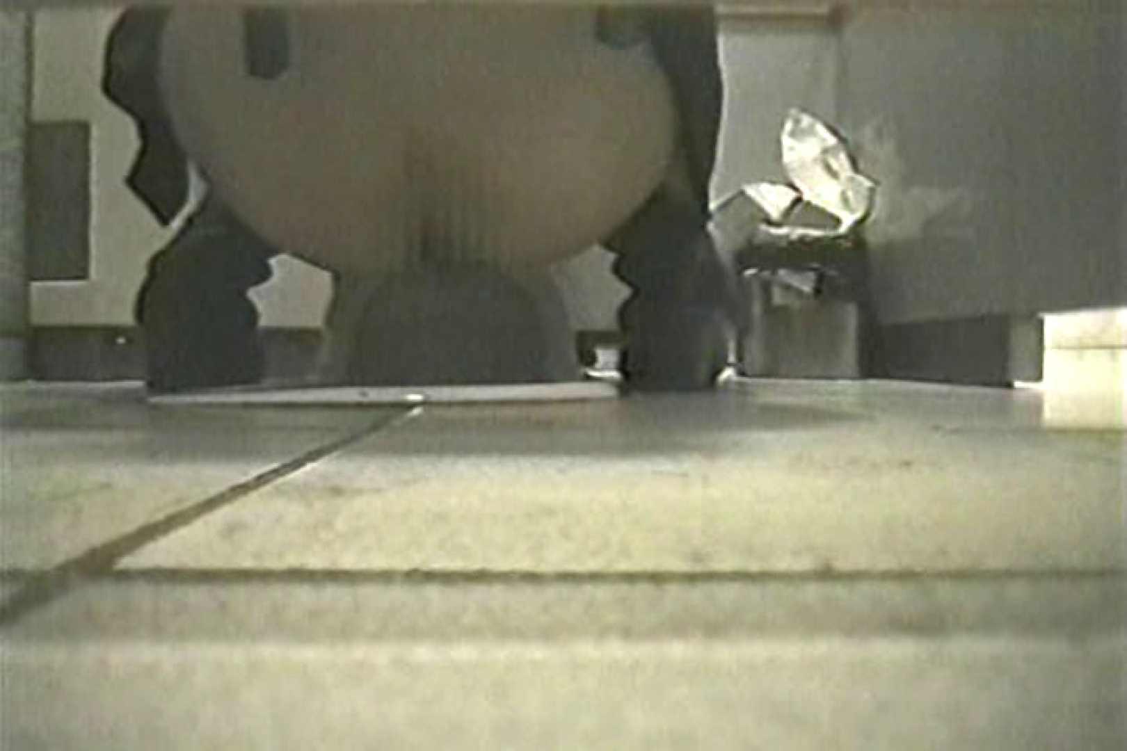 投稿盗撮 女子洗面所上から下から後ろから  TK-108 盗撮師作品 オメコ動画キャプチャ 95pic 32