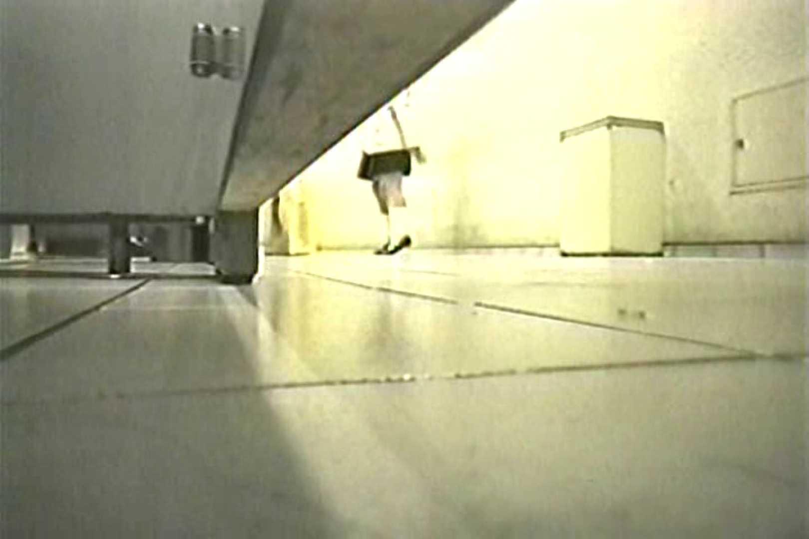 投稿盗撮 女子洗面所上から下から後ろから  TK-108 盗撮師作品 オメコ動画キャプチャ 95pic 37