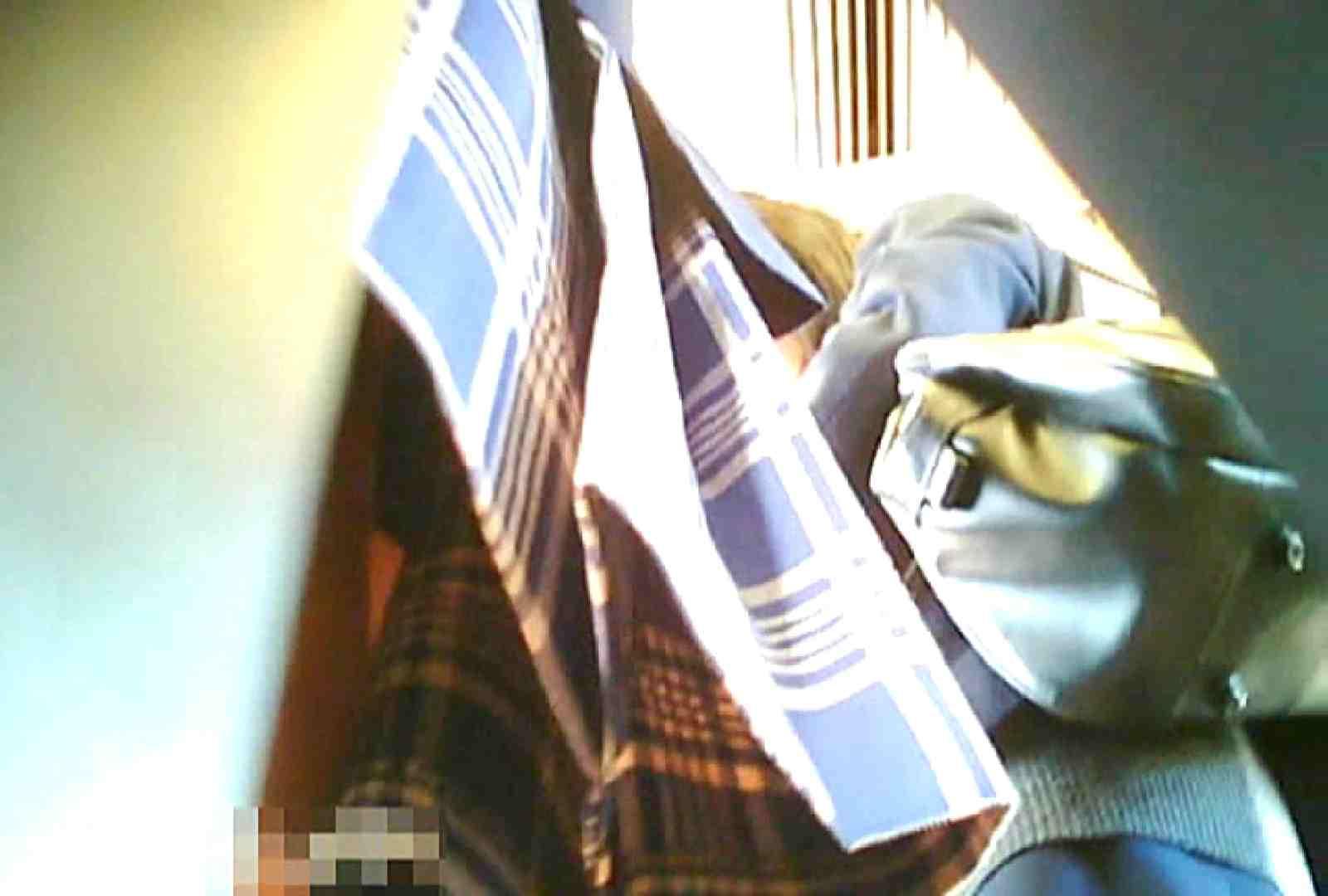 「チキン男」さんの制服ウォッチングVol.7 車 盗撮動画紹介 84pic 44