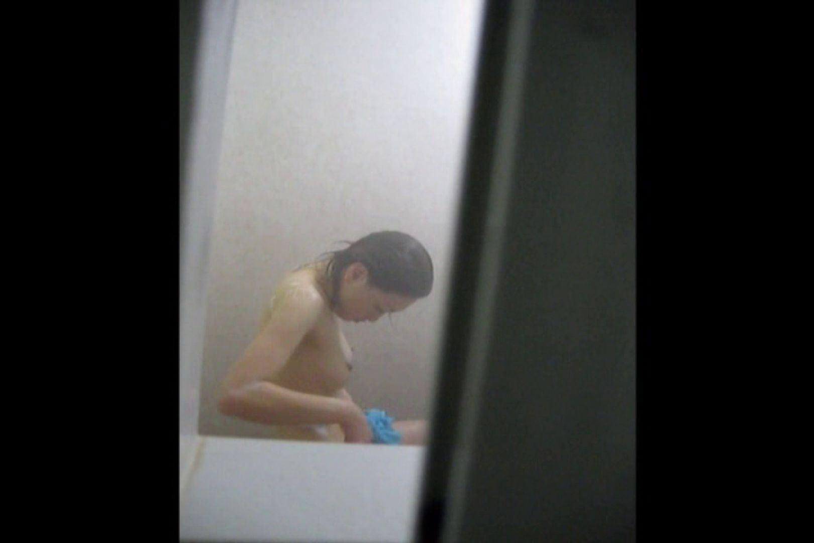 投稿者ハイロスさんのドキドキ覗き主観!VOL.01(一般女性5名 民家浴場編) 覗き   民家  87pic 25